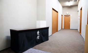 服部葬儀社 家族葬ホールこころ斎場 ロビー